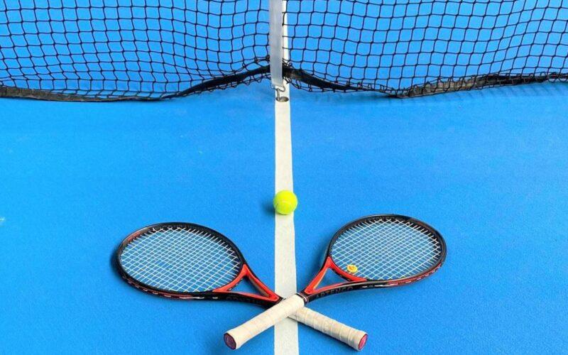 Cours de tennis pour nos élèves de primaire